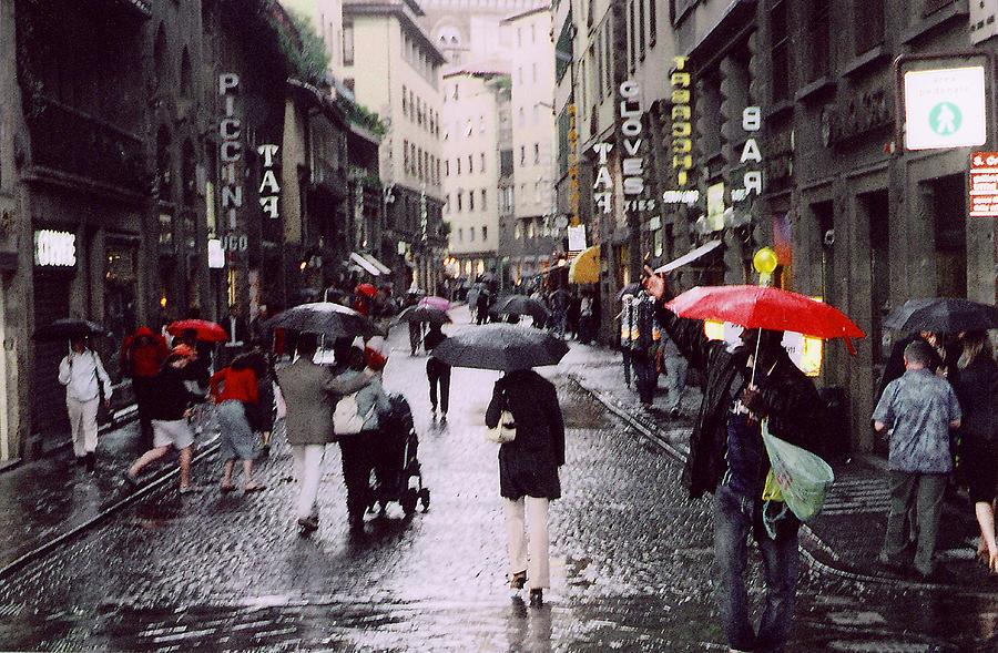 red-umbrella-in-the-rain-richard-danek