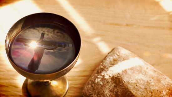 communion-cross-with-jesus